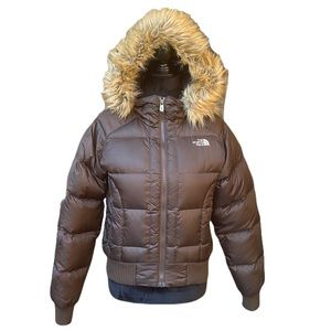 The North Face Women's Brown Puffer 550 Down Jacket With Faux Fur Hooded Trim